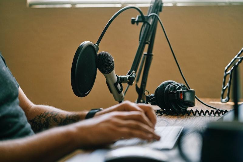 Image of home studio equipment.