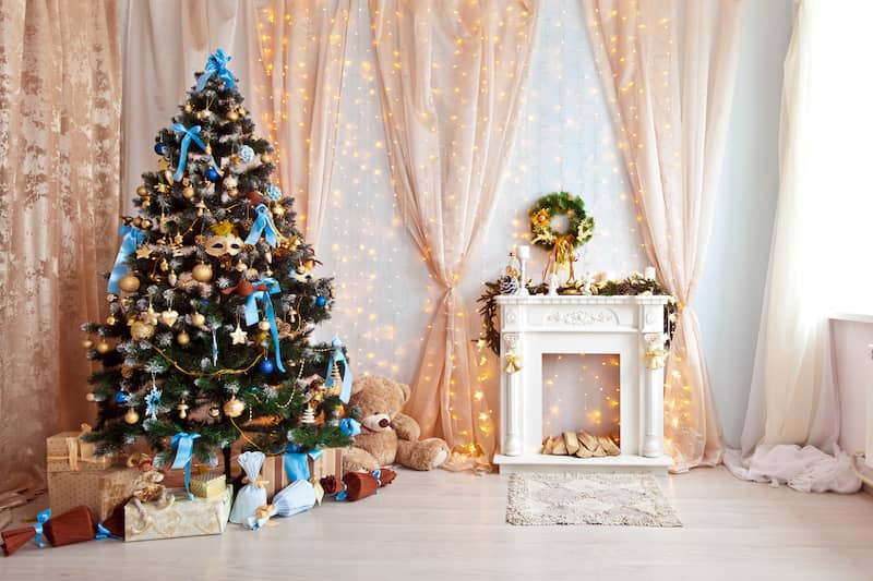 Tree with blue ornaments