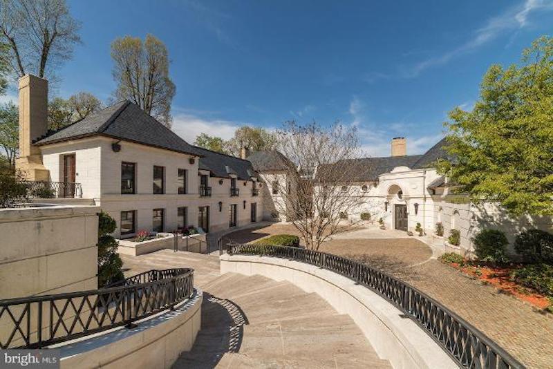 Luxury Home in McLean Virginia