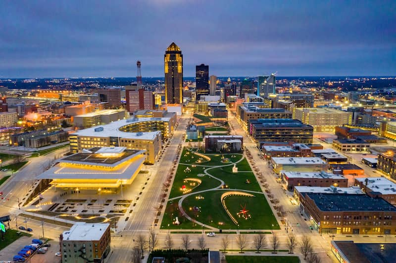 Aerial View Of Des Moines Skyline And Pappajohn Sculpture Garden