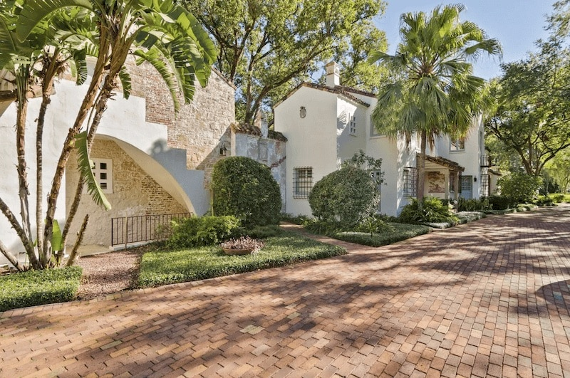 Historic and distinct apartment within Winter Park, Florida.
