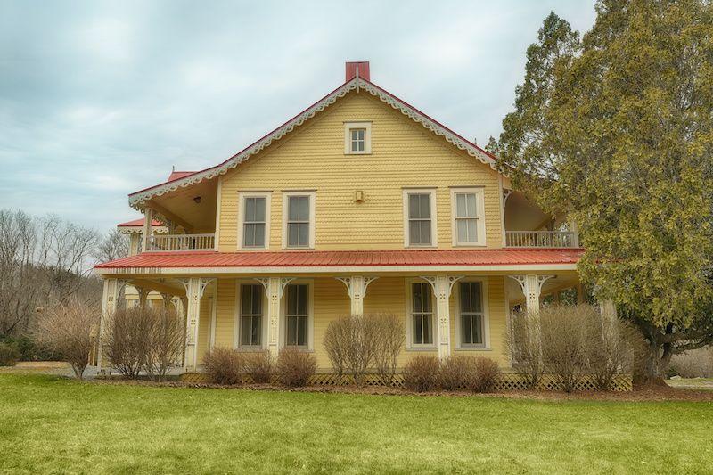 Folk style gingerbread Victorian house