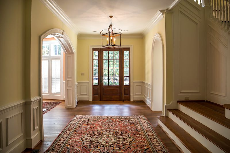 Grand entrance with rug
