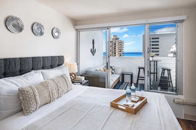 Gorgeous studio with ocean view near Waikiki Beach, Hawaii.