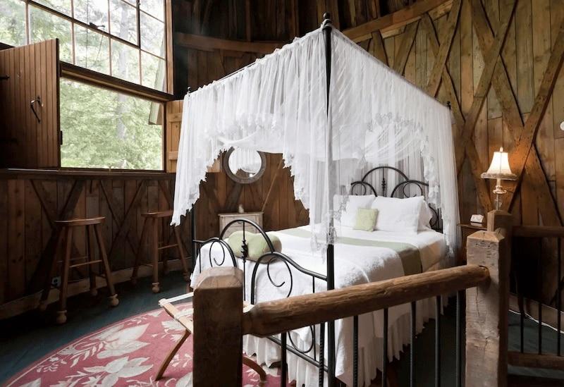 Cottage in Tyringham, Massachusetts.