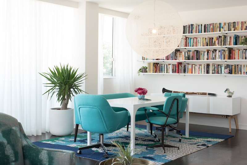 Modern library setup courtesy of Sarah Bernard Design and Steve Dewall.