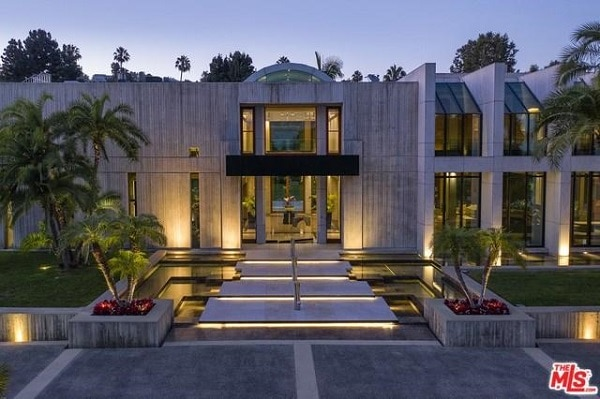 Beverly Hills modern mansion.