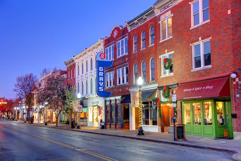 street in the town of Franklin, Tennessee