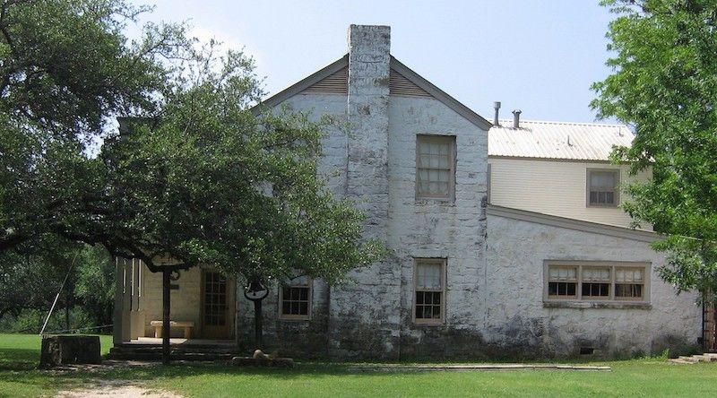 Large historical home courtesy of Pablo Solomon.