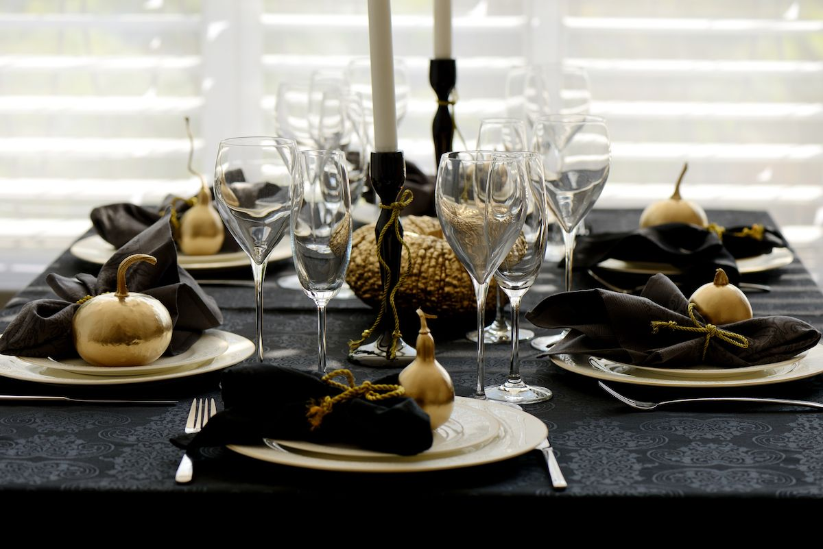 Black and gold tablescape.