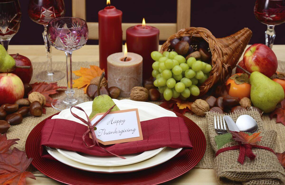 Red and brown, neutral tablescape.